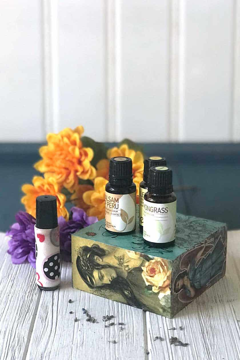 Essential oils for joint pain. Tips and ideas for how to use essential oils in roller balls to help with shoulder, ankle, knee, back and arthritis pain.