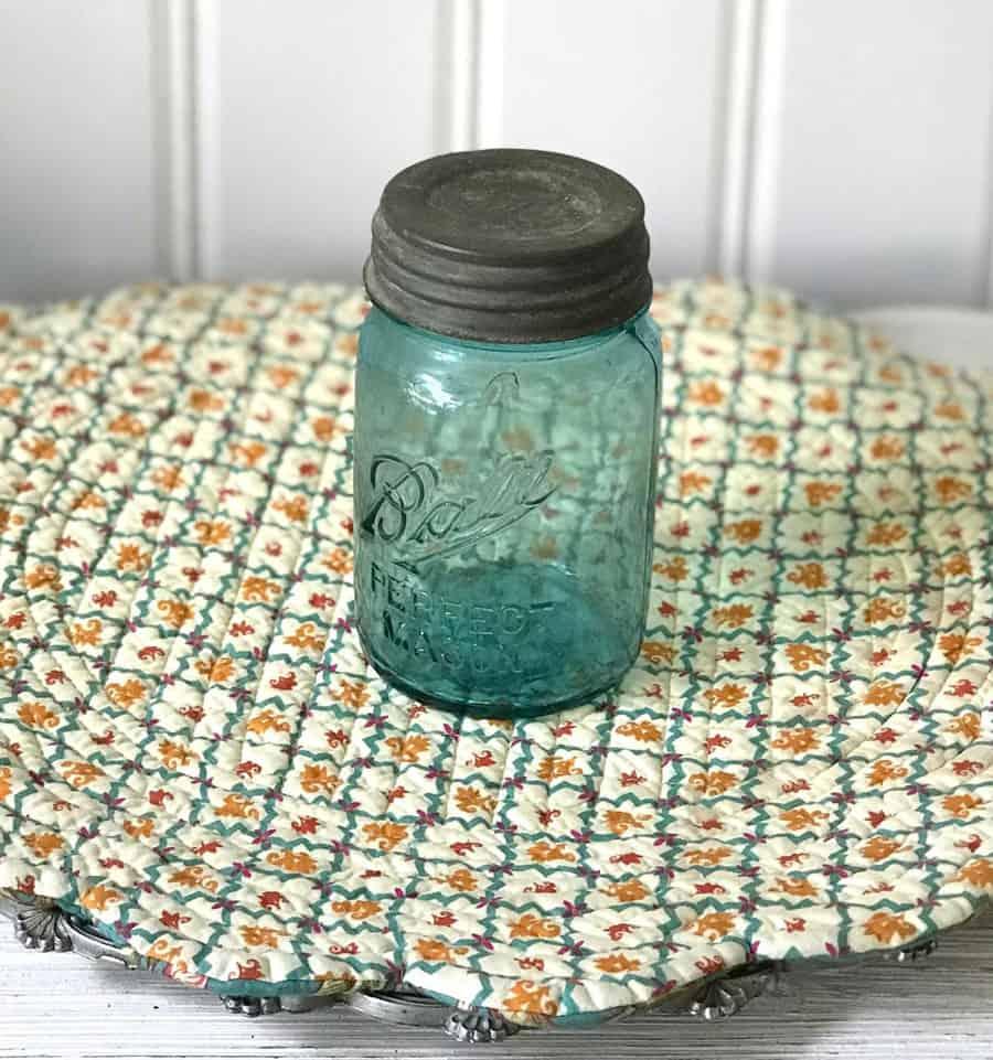 Ball jar with zinc lid
