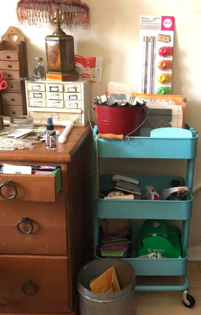 My craft cart - craft room cleaning!