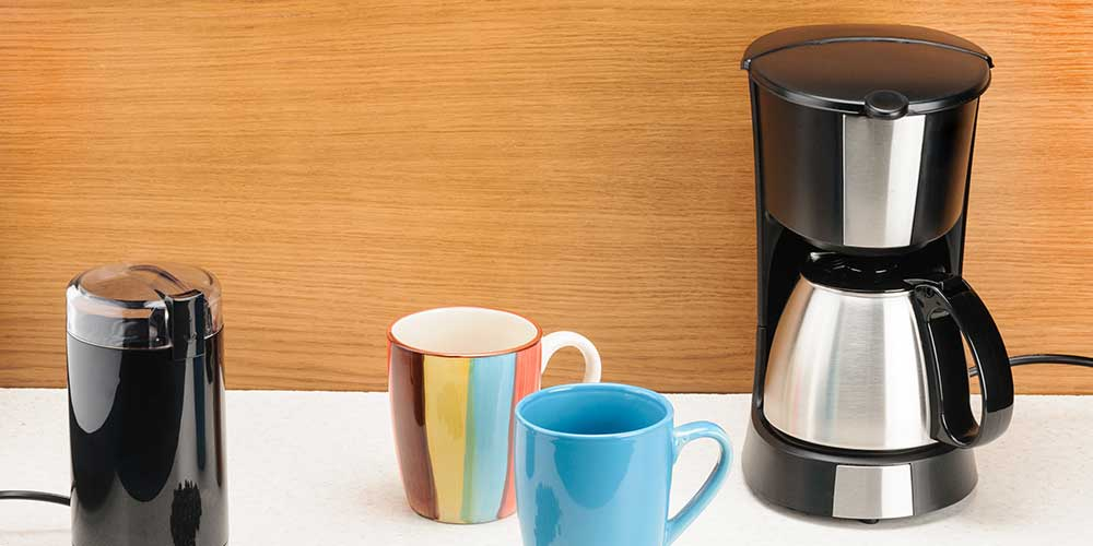 How to clean drip coffee maker