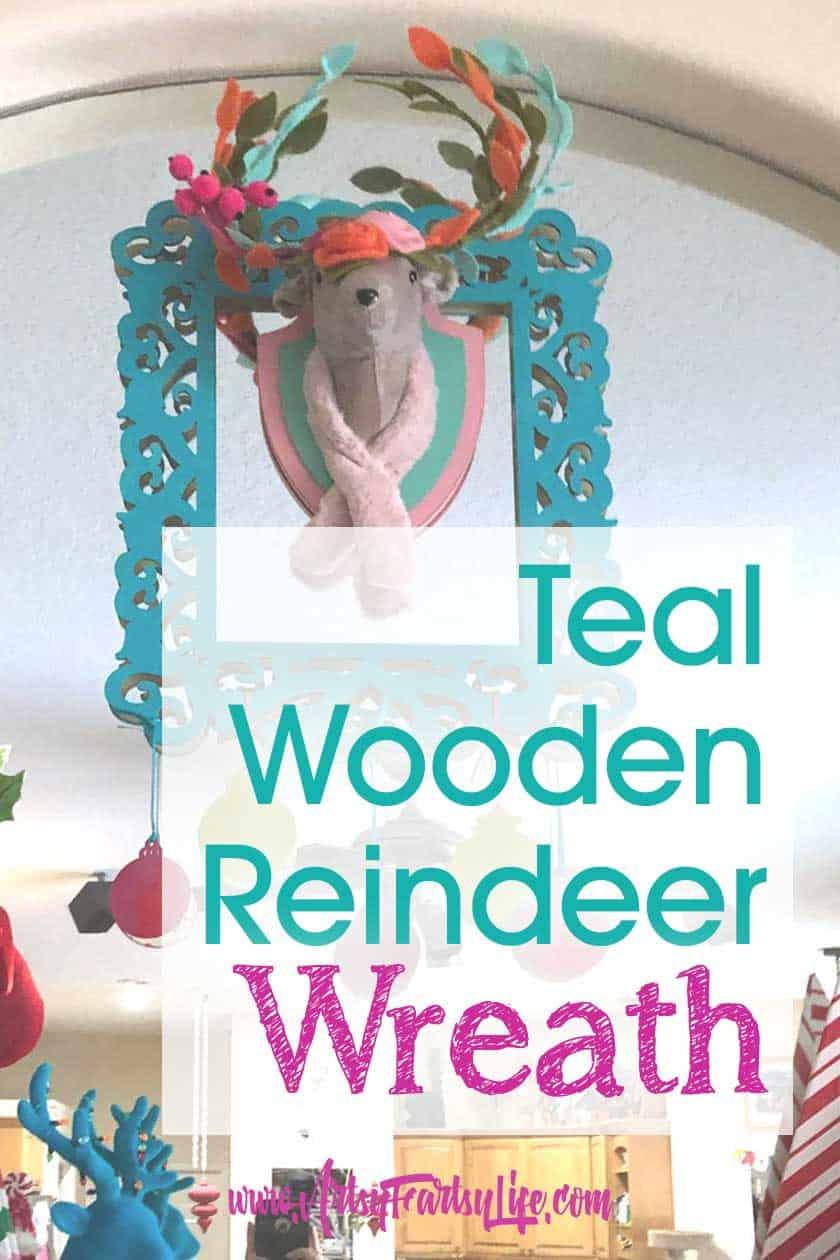 Turquoise Wooden Reindeer Wreath - DIY Christmas Decorations