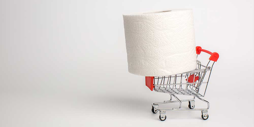 Papel higiénico gigante en carrito de compras